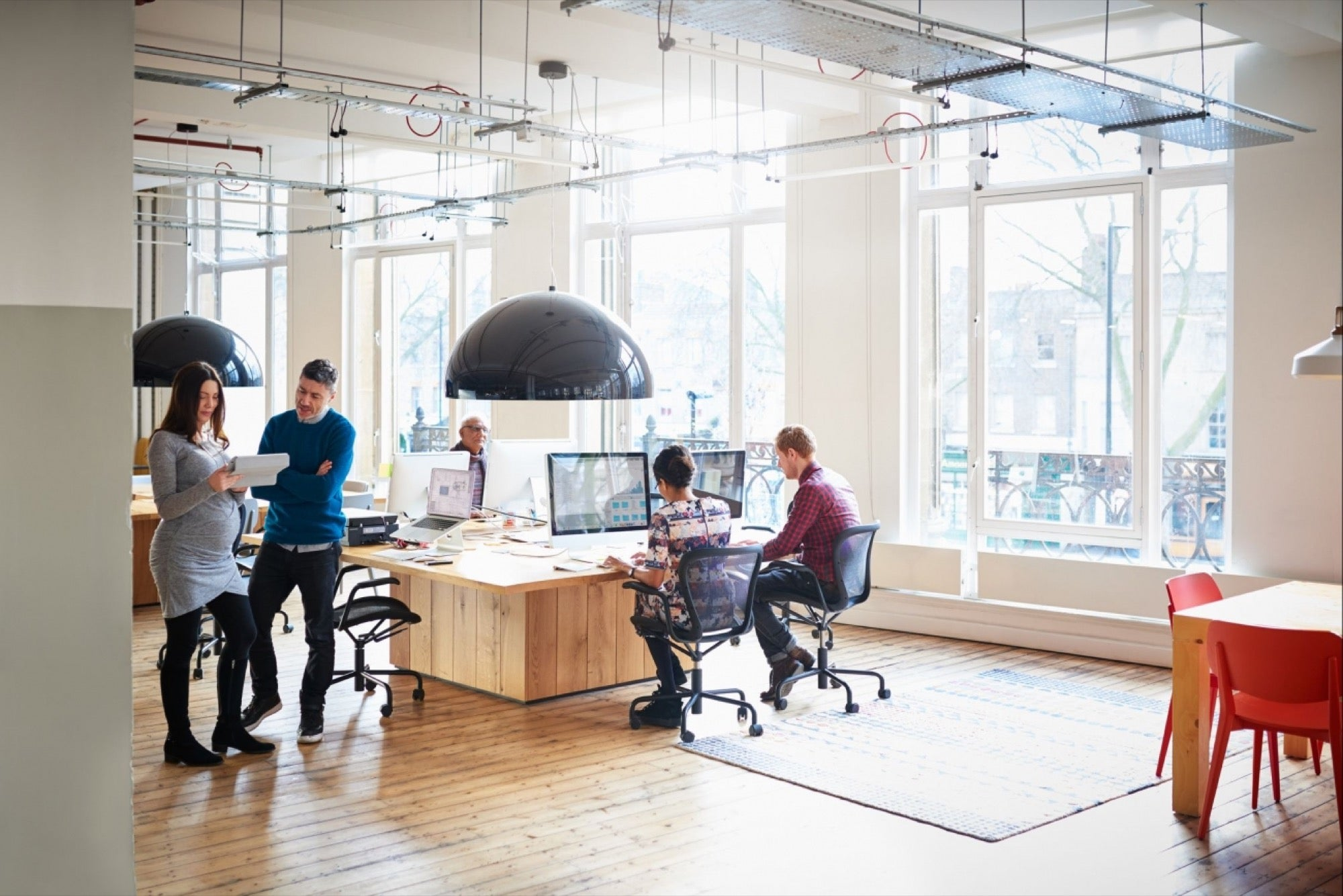 HOW TO DESIGN THE BEST OFFICE LIGHT