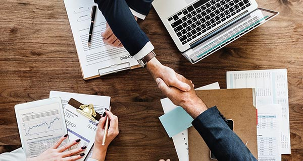 Lời khuyên khi tìm và thuê đơn vị thiết kế và thi công nội thất văn phòng